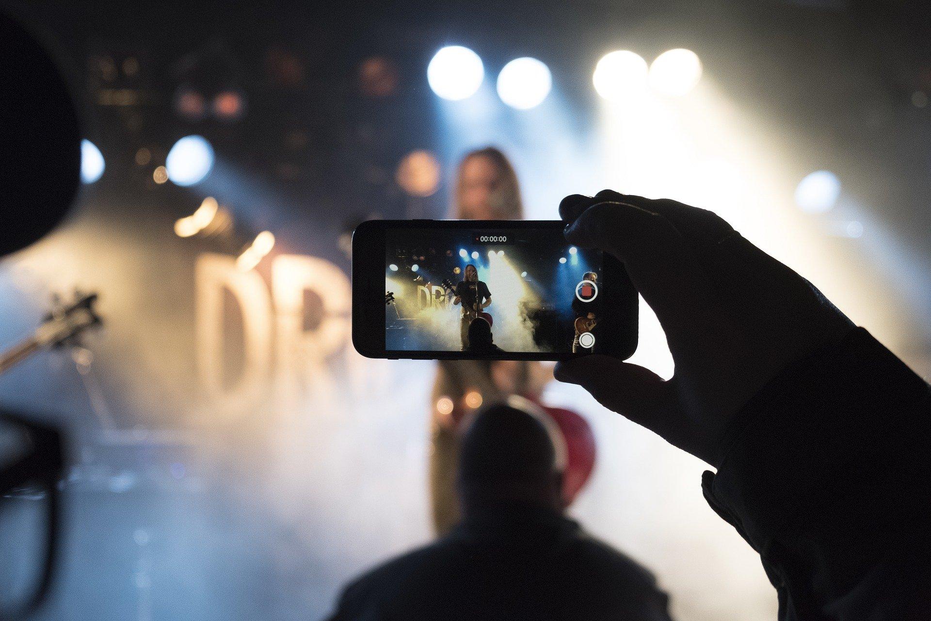 手机拍摄的视频怎么剪辑